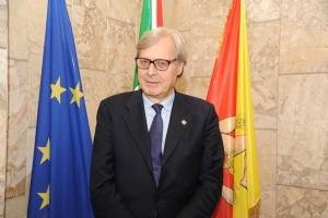 Il Presidente Nello Musumeci  nomina i suoi assessori: l'avv.Ruggero Razza alla  Sanità e il neo assessore Vittorio Sgarbi ai Beni Culturali