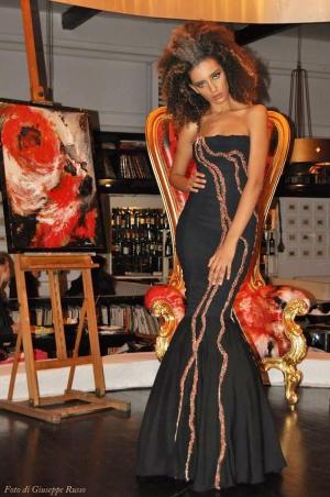 Premio prestigioso per la stilista Aurora Karuso a Taormina Art and Fashion presso la Galleria Gavri - Intervista alla stilista messinese –milanese d'adozione