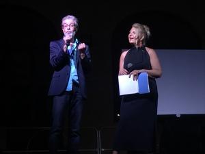 Ricordando Giorgio Fleri ad un anno dalla sua scomparsa Pino Mento e Patrizia Causarano gli organizzatori dell'evento con il Premio Giorgio Fleri a Sebastiano Riso