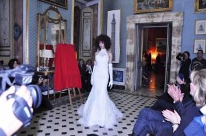 La modella  Hajar Bellari conquista il PREMIO A PARIGI NEL QUARTIERE CHIC DELLA CAPITALE