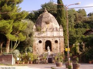Barcellona Pozzo di Gotto: una chiesa rupestre dietro il Tempio di Santa Venera