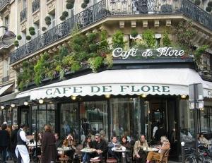 Nicole Rose presenta il suo libro  al Café de Flore a Parigi dopo la Premiere di Taormina a Villa Garbo