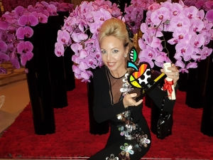 A.R. la Principessa Camilla di Borbone delle Due Sicilie riceve il premio The Best.  La quarantunesima edizione della cerimonia di consegna del riconoscimento si è svolta al Four Season di Parigi