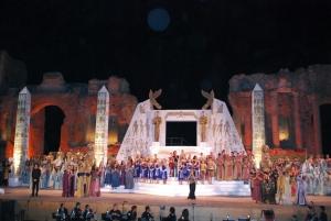 AIDA STRAORDINARIO SUCCESSO 5000 persone al Teatro antico