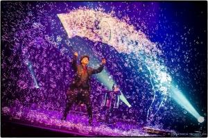 Barcellona Pozzo di Gotto: da Palermo a Las Vegas le bolle di sapone di Marco Zoppi al Teatro Mandanici