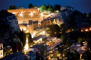 Il messinese  Lorenzo Chinnici a Taormina inviti esclusivissimi