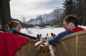 L'amore è un viaggio Romantik! Per San Valentino 2017, il regalo più desiderato è una vacanza di puro romanticismo, con tanti extra. Le migliori proposte dei Romantik Hotels & Restaurants.