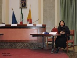 Il critico Maria Teresa Prestigiacomo. Con L' Accademia Euromediterranea delle Arti  ricorda che il 30 aprile scadrà il termine del  Premio sez. Poesia Pittura Fotografia e Racconto.