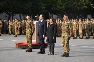 """IL MINISTRO DELLA DIFESA IN VISITA AI REPARTI DELL'ESERCITO A CATANIA E MESSINA """"Gli italiani sono tra i migliori a portare la pace dove la pace non c'era"""""""