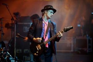 L'ultimo poeta del rock  che i fans inglesi della riviera ionica siciliana vogliono a Taormina