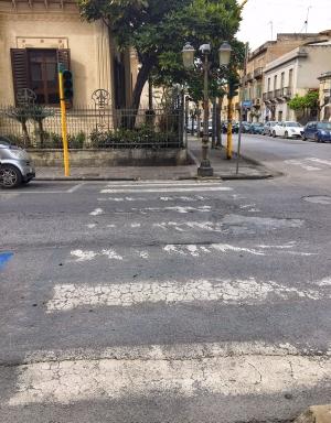 Barcellona Pozzo di Gotto: la città senza semafori, dove la grande assente è la segnaletica stradale