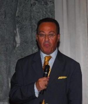 Domenico Venuti al convegno di Mandanici consegna il Premio William Shakespeare