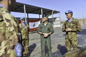 """Missione in Libano: la logistica nazionale. In sei mesi, nell'ambito della Missione in Libano, la Brigata Aosta ha avviato il ciclo """"green"""" ed effettuato 16.400 movimenti logistici."""