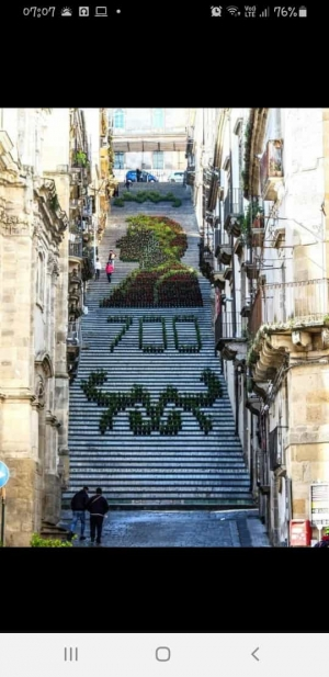 """I 700 anni dalla morte di Dante. Ricordati sulla """"Scalinata""""di Caltagirone"""