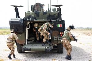 I Bersaglieri della Brigata Aosta si addestrano Conclusa l'esercitazione del 6° Reggimento Bersaglieri nelle aree addestrative della Sicilia