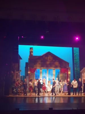Dirty dancing  atmosfera americana brillante Eccellenti le scene gli interpreti  e i ballerini al Teatro di Barcellona
