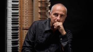 Stagione estiva del Teatro in Via Laudamo Messina con Danilo Rea brillante pianista