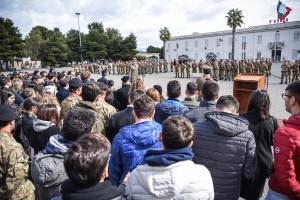 """Esercito a Messina: il 5° reggimento fanteria compie 330 anni Rievocazioni storiche e nuovi orientamenti addestrativi e operativi per i 330 anni del 5° reggimento fanteria """"Aosta""""."""