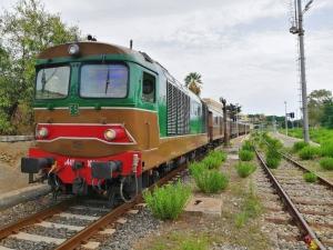 Da Palermo a Castelvetrano e Selinunte con il treno storico dell' olio e del pane nero domenica 21 ottobre