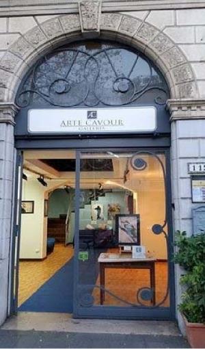 Continua in Corso Cavour 119 la mostra d'arte del maestro Enzo Napolitano Martedì l' accademia euromediterranea delle arti presso la Galleria
