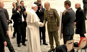 """Udienza papale per la Brigata """"Aosta"""". Papa Francesco incontra gli uomini e le donne della Brigata """"Aosta"""" durante l'Udienza Generale"""