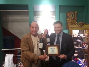 Premio Eccellenza a Bruxelles per Toto' Di Matteo imprenditore di Palermo. Nell'ambito della mostra d'arte degli artisti siciliani au Sablon Presente l'On.le Romagnoli